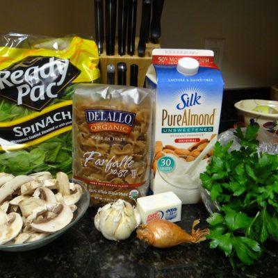 WIAW: Spinach and Mushroom Alfredo