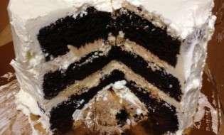 Buzz Bakery Wedding Cake