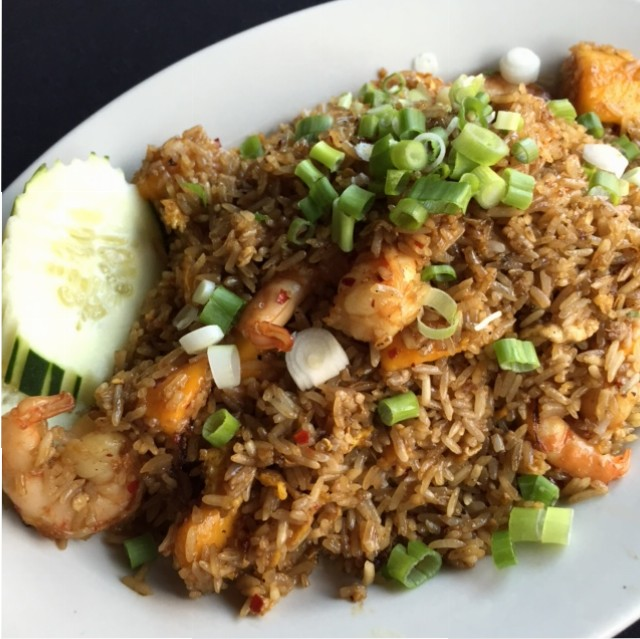 Sawatdee Saint Paul Mango Fried Rice